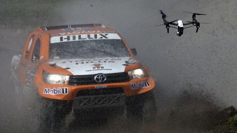 Uno de los autos de Rally Dakar
