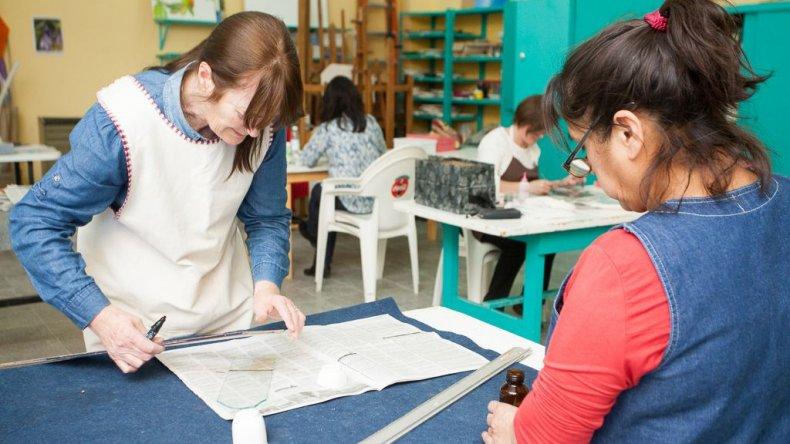 El Taller de Arte de la Municipalidad de Rada Tilly comienza sus inscripciones hoy para todos sus interesados.