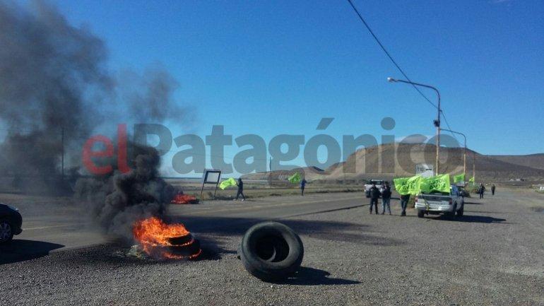 UOCRA cortará la ruta de Comodoro a Caleta si no reciben respuestas