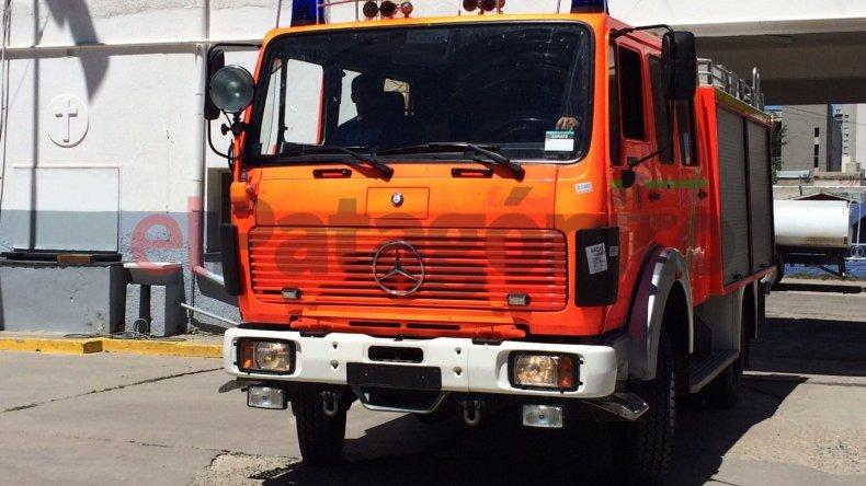 Llegó un camión Mercedes Benz para los Bomberos