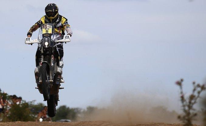 Toby Price se quedó con la primera etapa cronometrada en las motos