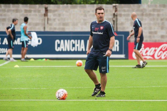 Pablo Guede hace limpieza en San Lorenzo