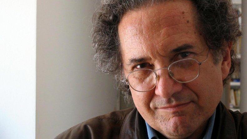 Reclaman por la salud del escritor Ricardo Piglia.
