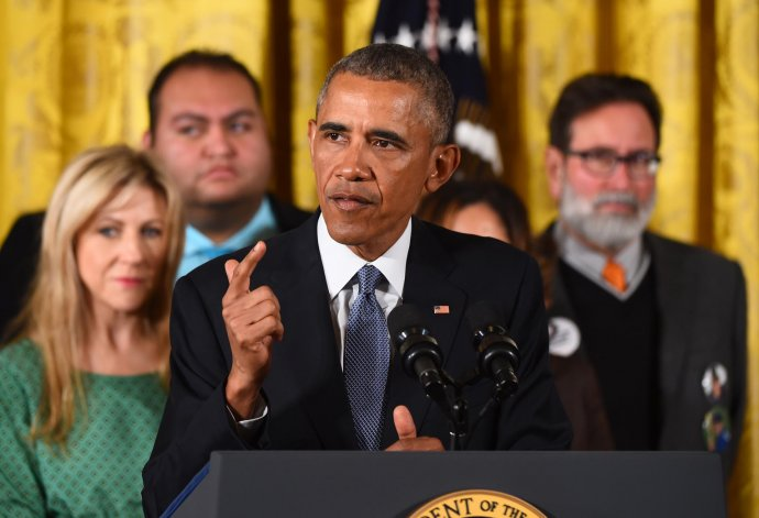 El Presidente indicó que todos los vendedores de armas en EE.UU. deberán tener licencias y pedir antecedentes.