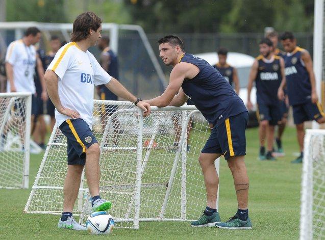 Jonathan Calleri trabajando con el plantel de Boca en Cardales.