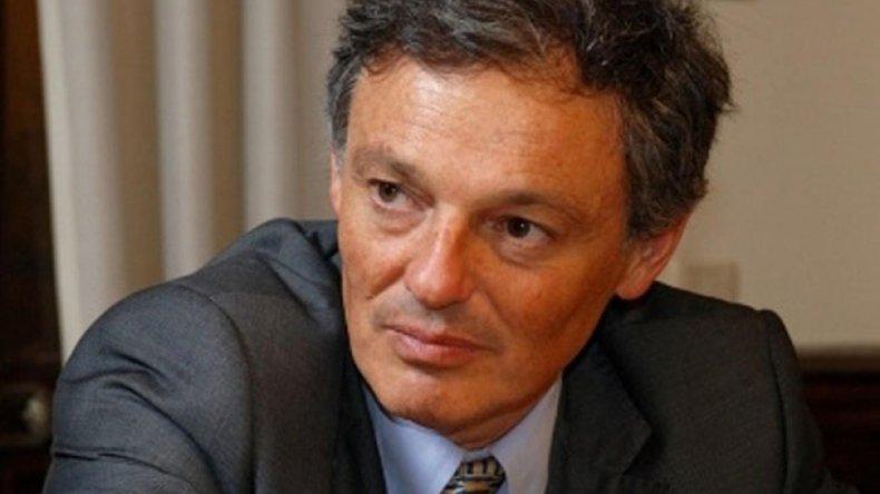 El ministro de Producción justificó la apertura del mercado librero.