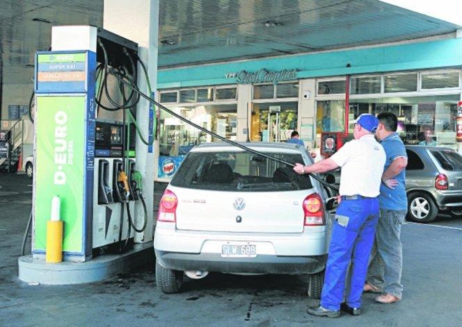 Califican como necesario el aumento de los combustibles.