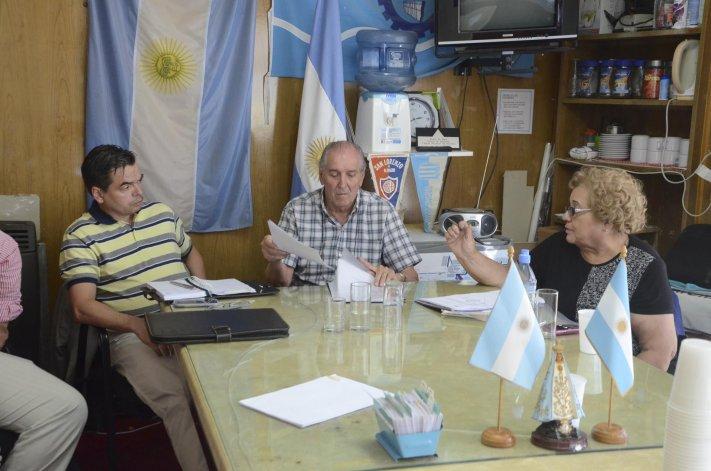 En la Federación de Centros de Jubilados se realizó una de las reuniones de ayer.