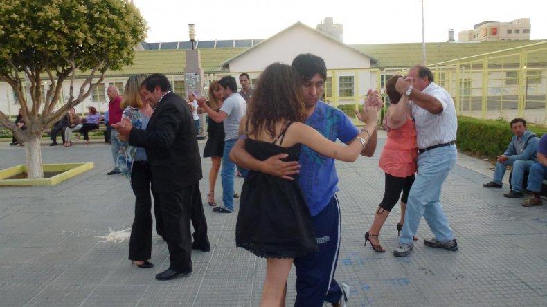 La milonga al aire libre vuelve a ser parte del verano de Comodoro Rivadavia.