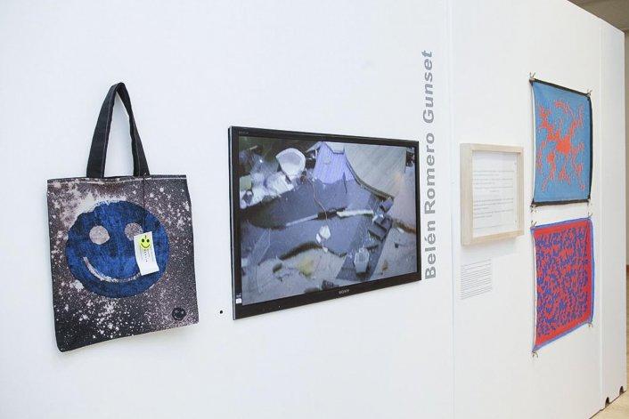 Hábito de artista. La muestra se extenderá hasta el 22 de enero en el Centro Cultural de Rada Tilly.