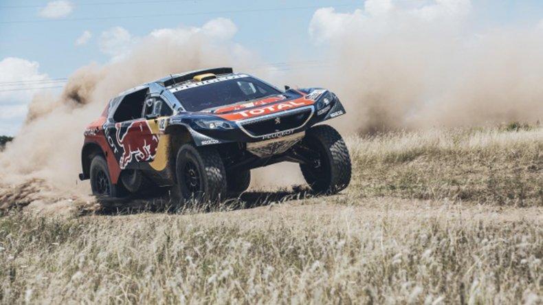 Peterhansel volvió a dominar y ahora es el nuevo líder en la clasificación general del Dakar.