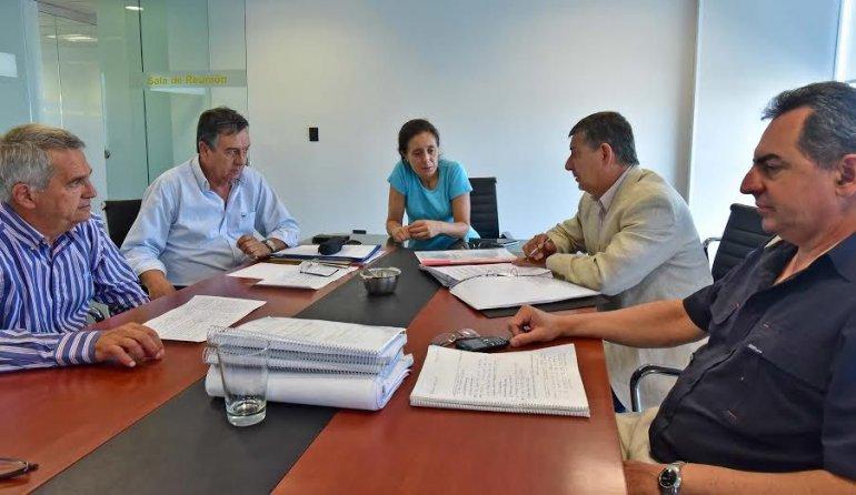 El ministro de Infraestructura y el titular de Vialidad Provincial avanzaron en aspectos técnicos del Camino de Circunvalación y la multitrocha Madryn-Trelew.