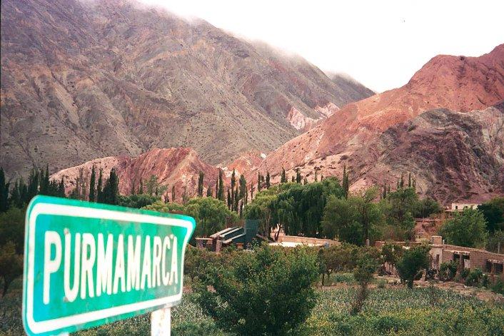 La imponente belleza de los cerros rojos del Paseo de los Colorados es un recorrido obligado para todos los que visiten Purmamarca.