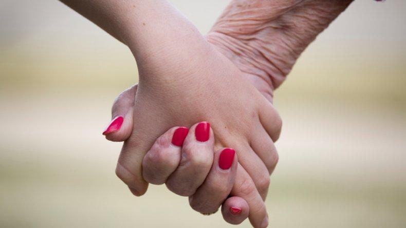 Nadia Kesen delegó en su madre la  responsabilidad parental de su hija