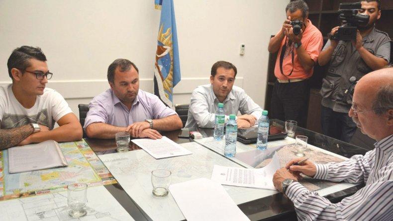 Los secretarios de Gobierno y de Hacienda se reunieron con autoridades de Vialidad Provincial.