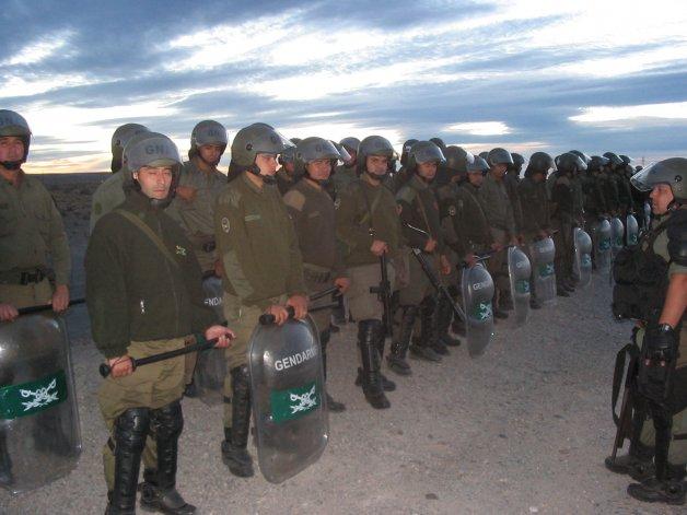 Gendarmería llega a Caleta para garantizar el tránsito