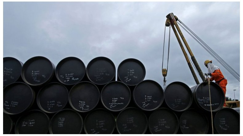 Hoy el barril de petróleo se cotiza a menos de 31 dólares