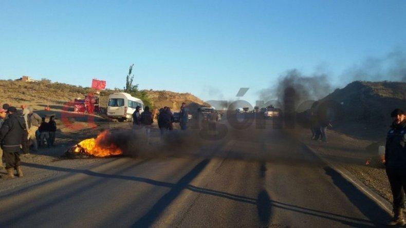 Séptimo día de corte: no dejan pasar a ningún vehículo sobre Ruta Nacional N° 3