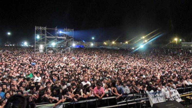 Los del Fuego y Los Palmeras en el Aniversario de Comodoro