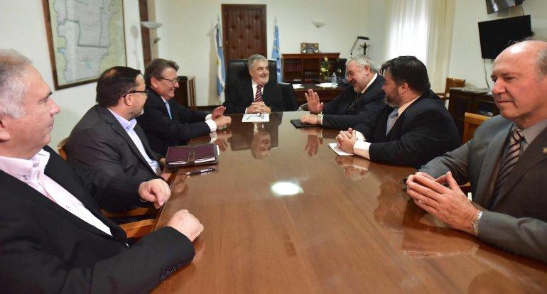 El gobernador y los directores del Banco Chubut