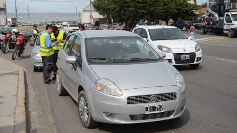 Siguen los controles vehiculares para verificar la documentación