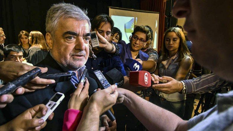 A Das Neves no le cayó bien que la mayoría parlamentaria no atienda su urgencia.