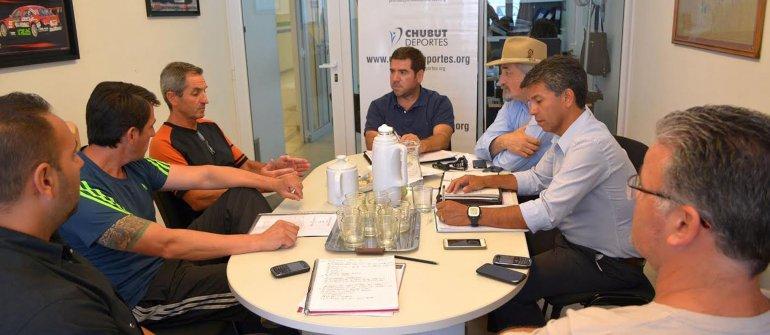 Los dirigentes del karate reunidos en las oficinas de Chubut Deportes