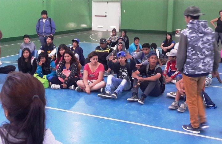 Una gran cantidad de jóvenes dijo presente en la Escuela 34 con motivo de la realización de la Colonia de Verano.