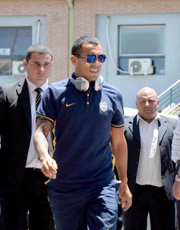 Carlos Tevez será esta noche titular en la formación de Boca.