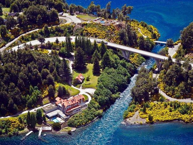 Villa La Angostura es elegida todos los años por miles de personas por sus encantos naturales