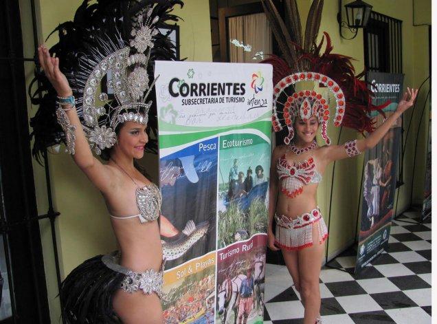 La ciudad de Corrientes fue declara la Capital Nacional de Carnaval y cada año miles de turistas llegan a la ciudad a disfrutar de la alegría de las comparsas.