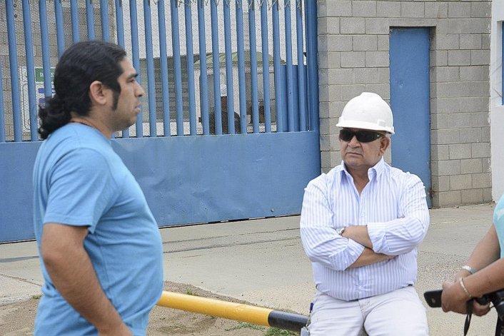 El supervisor municipal de Comercio y Bromatología se acercó a la empresa luego de conocer la disposición judicial para efectivizarla