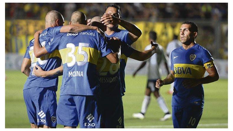 Boca arrancó el año con una sonrisa en San Juan.