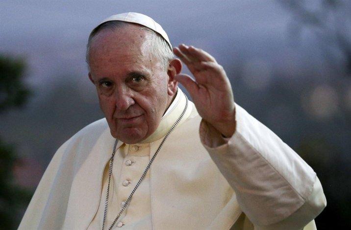 El Papa visitó la Sinagoga romana.