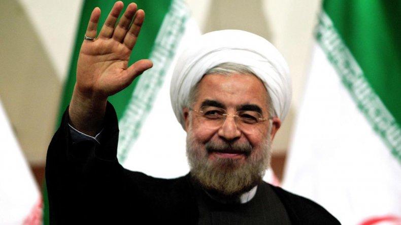 Rohani felicitó a los iraníes por haber soportado las crueles sanciones impuestas por las potencias mundiales.
