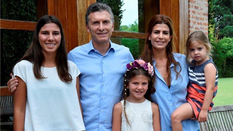 Las hijas de Nisman conversaron con el Presidente y su familia.