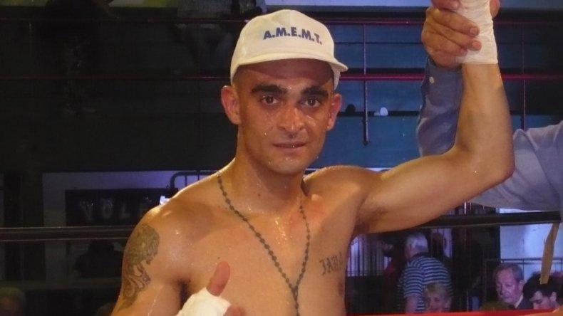 La Cobrita Rueda se impuso en ocho rounds.