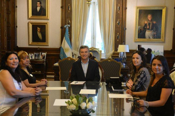 El Presidente recibió ayer en Casa Rosada a representantes de Madres contra el paco.
