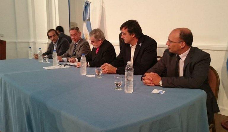 Bullrich de visita en Chubut: queremos que las clases comiencen el 29 de febrero
