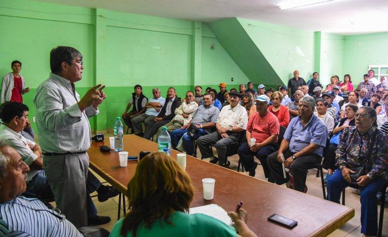 Más de 130 jubilados asistieron a la asamblea donde finalmente se pudo obtener una respuesta a la problemática de los bonos.