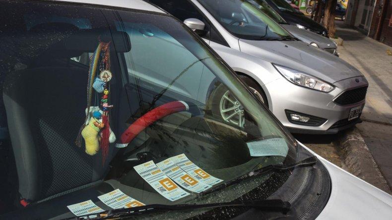 Las exenciones para el estacionamiento medido se demoraron más que de costumbre en el último mes.