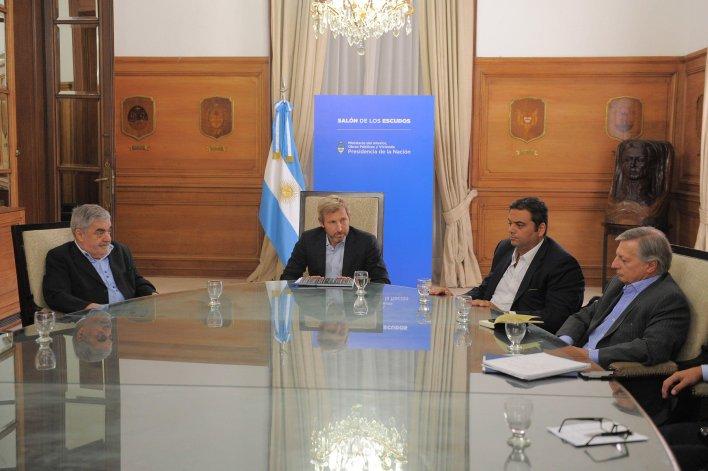 Das Neves en la reunión que mantuvo ayer con los ministros Frigerio