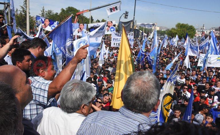 Ávila: si en 5 días no resuelven el problema tendrán un país sin gas y sin petróleo