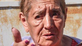 Con lágrimas, Bety Villar contó las dificultades que implica no poder conseguir un bono gratuito.