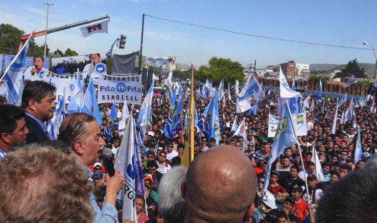 Carlos Linares: no es el intendente quien dice que va a haber un paro; lo dice la ciudadanía.