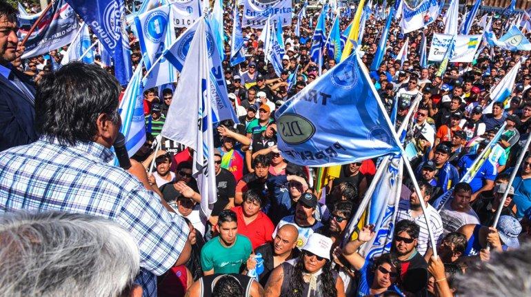 Una multitud asistió a la asamblea