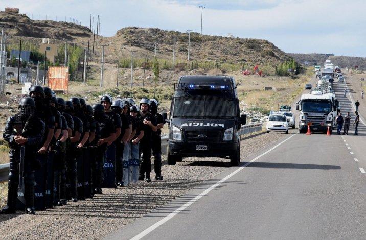La fuerza de choque policial aguardó dos horas esperando la orden de sus superiores. Por suerte