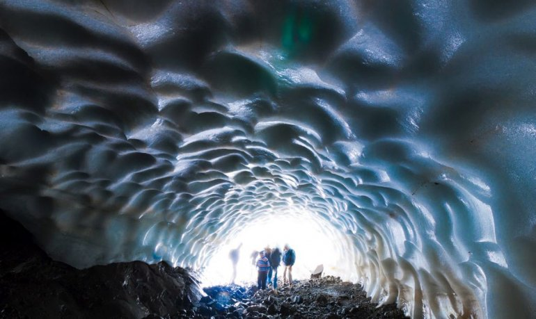 Este es el momento ideal para recorrer los túneles de hielo y adentrarse a una experiencia única.