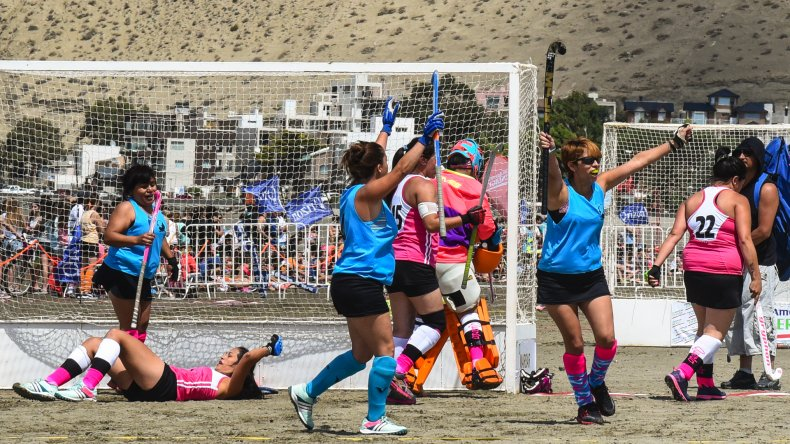 Final del hóckey playero, un clásico en el Parador #IN