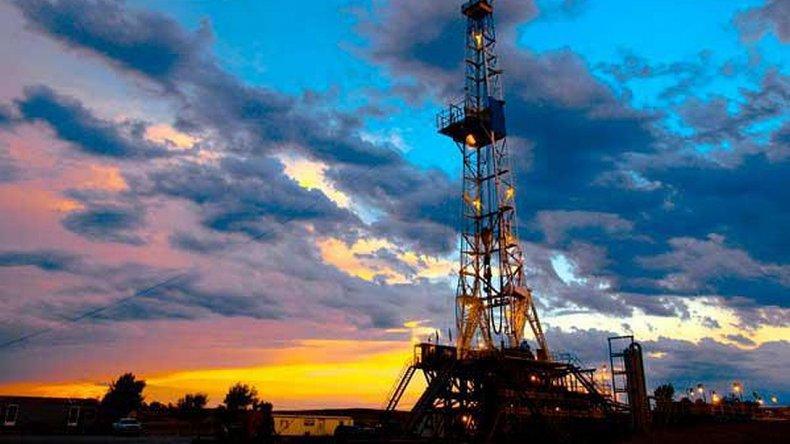 Petroleros neuquinos analizan plan de lucha